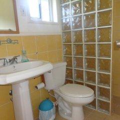 Отель The Gardens Utila Гондурас, Остров Утила - отзывы, цены и фото номеров - забронировать отель The Gardens Utila онлайн ванная