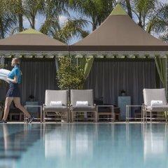 Отель Four Seasons Los Angeles at Beverly Hills бассейн фото 3
