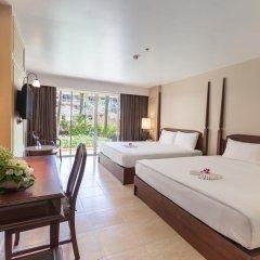 Отель Phuket Orchid Resort and Spa 4* Стандартный семейный номер с разными типами кроватей фото 6