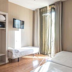 Отель Hostal BCN Ramblas Испания, Барселона - отзывы, цены и фото номеров - забронировать отель Hostal BCN Ramblas онлайн комната для гостей фото 5