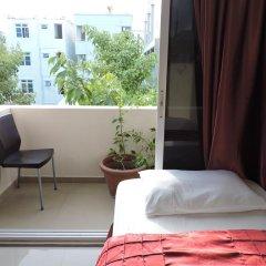 Отель Iberry Inn Мальдивы, Мале - отзывы, цены и фото номеров - забронировать отель Iberry Inn онлайн балкон