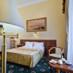 Гостиница Айвазовский Улучшенный номер с двуспальной кроватью фото 9