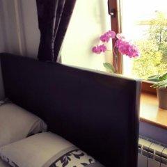 Мини-Отель Катюша Стандартный семейный номер с двуспальной кроватью фото 7