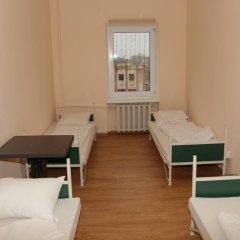 Гостиница Tsentr Кровать в общем номере с двухъярусной кроватью