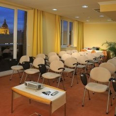 Отель M-Square Hotel Венгрия, Будапешт - 3 отзыва об отеле, цены и фото номеров - забронировать отель M-Square Hotel онлайн помещение для мероприятий