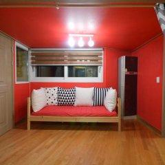 Отель Han River Guesthouse 2* Семейная студия с двуспальной кроватью фото 23