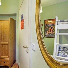 Хостел Друзья на Банковском Номер с общей ванной комнатой с различными типами кроватей (общая ванная комната) фото 14