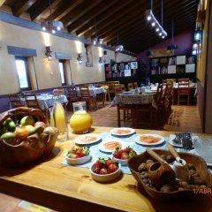 Отель Rural Bioclimático Sabinares del Arlanza Испания, Когольос - отзывы, цены и фото номеров - забронировать отель Rural Bioclimático Sabinares del Arlanza онлайн питание фото 3
