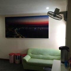 Galaxy Suites Pattaya Hotel Паттайя комната для гостей фото 2