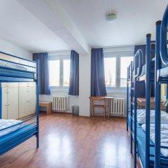 Отель a&o Dresden Hauptbahnhof 2* Кровать в общем номере с двухъярусной кроватью фото 3