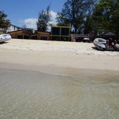 Отель TT Naiyang Beach Phuket 2* Номер Эконом разные типы кроватей фото 16