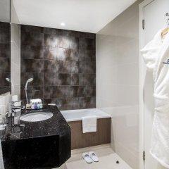Отель Holiday Inn London - Kensington 4* Улучшенный номер с различными типами кроватей фото 12