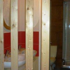Отель Camino Bed and Breakfast 3* Кровать в женском общем номере