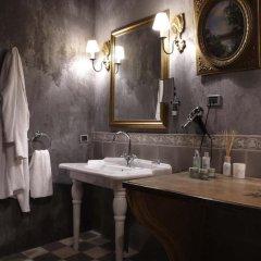 Cour Des Loges Hotel 5* Стандартный номер с различными типами кроватей фото 13