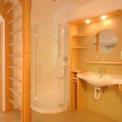 Отель Landhaus Strasser Австрия, Зёлль - отзывы, цены и фото номеров - забронировать отель Landhaus Strasser онлайн ванная