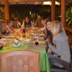 The Coconut Garden Hotel & Restaurant питание фото 2