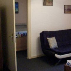 Отель Ferienwohnung im Zentrum Германия, Дюссельдорф - отзывы, цены и фото номеров - забронировать отель Ferienwohnung im Zentrum онлайн комната для гостей фото 5