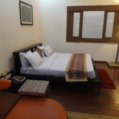 Raja Hotel комната для гостей