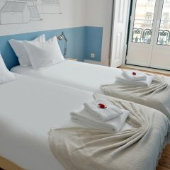 Отель Lisbon Check-In Guesthouse 3* Стандартный номер с двуспальной кроватью (общая ванная комната) фото 15