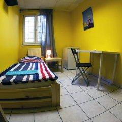 Хостел Seven Prague Номер с общей ванной комнатой с различными типами кроватей (общая ванная комната) фото 37