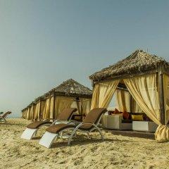 Отель Regency Sealine Camp Катар, Месайед - отзывы, цены и фото номеров - забронировать отель Regency Sealine Camp онлайн пляж
