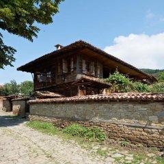 Отель Zheravna Ecohouse Болгария, Сливен - отзывы, цены и фото номеров - забронировать отель Zheravna Ecohouse онлайн приотельная территория