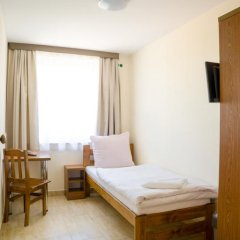 Отель Kompleks Hotelarski Zgoda Стандартный номер с 2 отдельными кроватями (общая ванная комната) фото 4