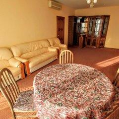 Гостиница Бриз 3* Стандартный семейный номер с двуспальной кроватью
