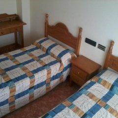 Отель Hostal Linares комната для гостей фото 4