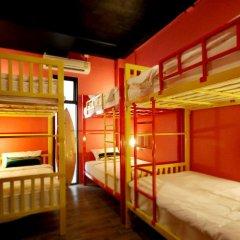FIN Hostel Phuket Kata Beach Улучшенный номер с двуспальной кроватью фото 13