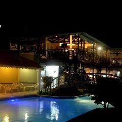 Отель Hôtel Bois Joli бассейн