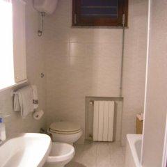 Отель Podere Guardistallo Италия, Гуардисталло - отзывы, цены и фото номеров - забронировать отель Podere Guardistallo онлайн ванная