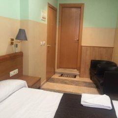 Отель Hostal Mont Thabor Улучшенный номер с различными типами кроватей фото 8
