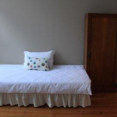 Being Porto Hostel Стандартный номер с различными типами кроватей (общая ванная комната) фото 4