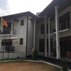 Отель Mahakumara White House Hotel Шри-Ланка, Калутара - отзывы, цены и фото номеров - забронировать отель Mahakumara White House Hotel онлайн балкон