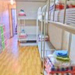 Отель Kimchee Hongdae Guesthouse Кровать в общем номере с двухъярусной кроватью фото 17