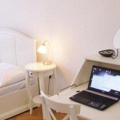 Отель Charles Bridge Premium Apartments Чехия, Прага - отзывы, цены и фото номеров - забронировать отель Charles Bridge Premium Apartments онлайн удобства в номере