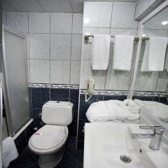 Hotel Büyük Sahinler 4* Стандартный семейный номер с различными типами кроватей фото 9