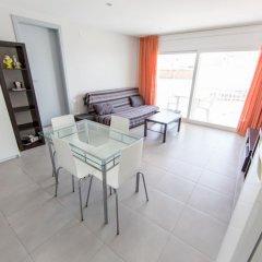 Отель Palmeras 4.4 Испания, Курорт Росес - отзывы, цены и фото номеров - забронировать отель Palmeras 4.4 онлайн комната для гостей фото 2