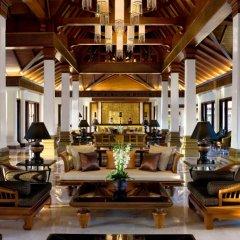 Отель JW Marriott Khao Lak Resort and Spa интерьер отеля