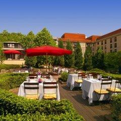 Отель The Westin Grand, Berlin 5* Номер Делюкс разные типы кроватей фото 10