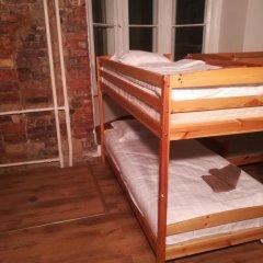 Отель The Penny Outpost Кровать в общем номере с двухъярусными кроватями фото 11