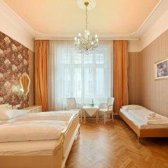 Hotel Pension Baronesse 4* Стандартный номер с двуспальной кроватью