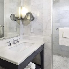 Отель Fontainebleau Miami Beach 4* Стандартный номер с различными типами кроватей фото 7