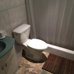 Отель Travelers Bed and Rest 1Bedroom ванная фото 2