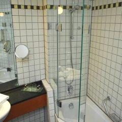 Hotel Alexander Plaza 4* Улучшенный номер с двуспальной кроватью