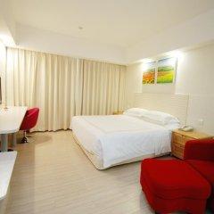 Overseas Chinese Friendship Hotel 3* Стандартный номер с различными типами кроватей фото 3