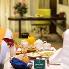 Отель Holiday Inn Jeddah Gateway 4* Номер Делюкс с различными типами кроватей фото 3