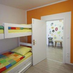 Pozitiv Hostel Кровать в общем номере с двухъярусной кроватью фото 7