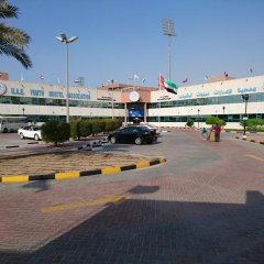 Dubai Youth Hotel парковка